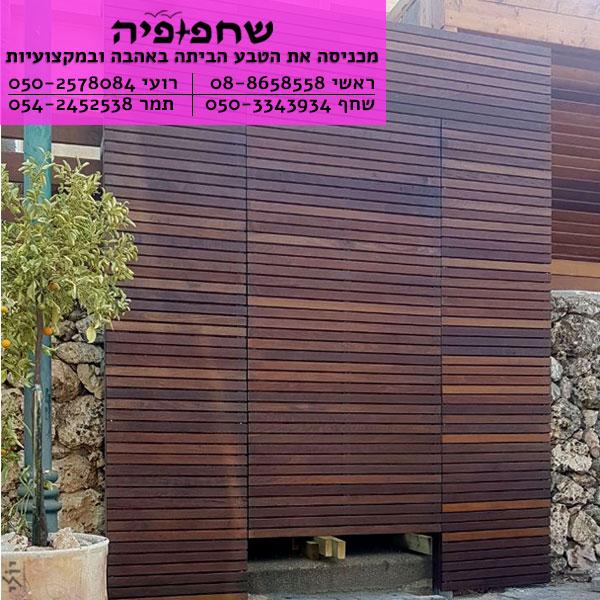 דלת-כניסה-מעץ